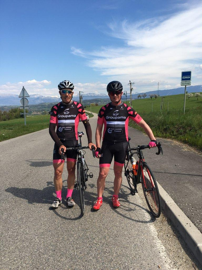 Le rose et noir envahit les routes de Savoie